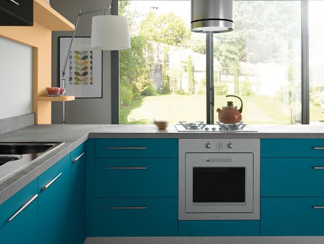 Cuisine vintage en l mod le harmonie stratifi for Cuisine amenagee bleue