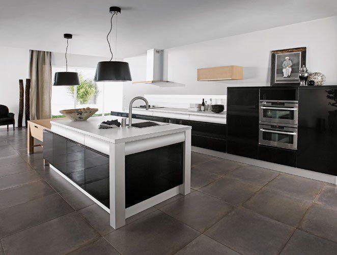 Une cuisine noire et conviviale rendez vous par thibault - Cuisine laquee noire ...