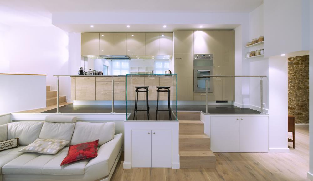 Cuisine beige en i esprit loft mod le rive droite - Meuble pour separer cuisine salon ...