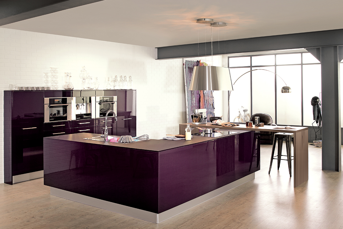cuisine am nag e violet. Black Bedroom Furniture Sets. Home Design Ideas
