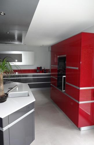 cuisine avec lot central plan de travail mod le sensations. Black Bedroom Furniture Sets. Home Design Ideas
