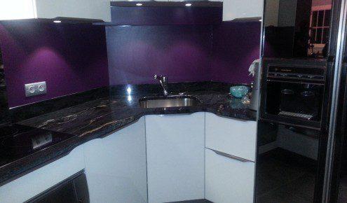 Cuisine violet et blanc meilleures images d 39 inspiration for Cuisine couleur violet
