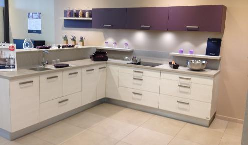 cuisine-blanche-violette-magasin-annemasse