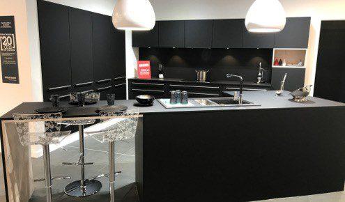 cuisine-design-noire-nimes