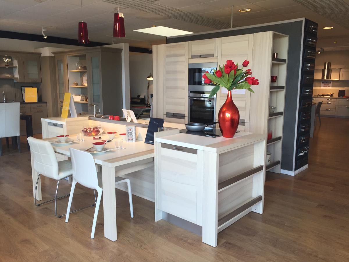 Magasin de cuisines lessay photos - Magasin de cuisine chatelet ...