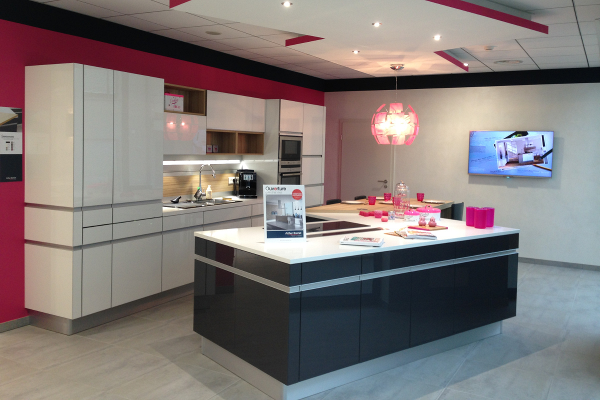 Cuisine amenagee pas chere maison design for Cuisine incorporee pas chere