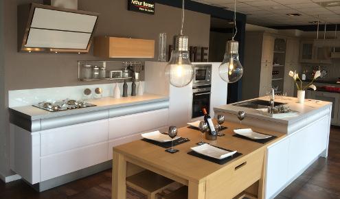 cuisine-laque-magasin-cuisines-toulouse-portet