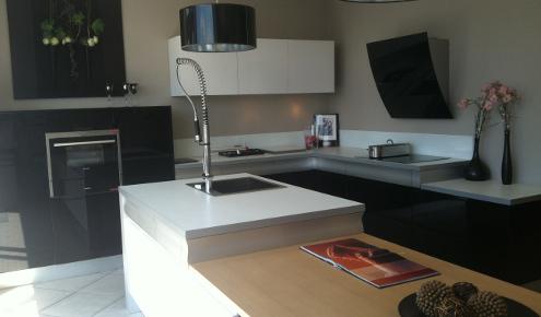 magasin de cuisines courbevoie photos. Black Bedroom Furniture Sets. Home Design Ideas