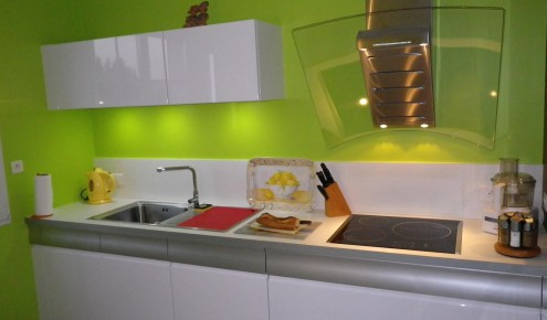 Cheap cuisine en laque brillante blanche mur vert pomme - Meuble cuisine vert pomme ...