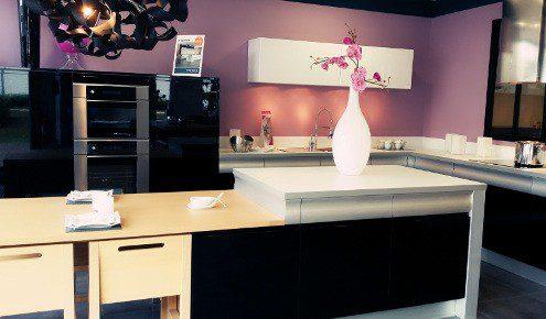 magasin cuisine grenoble ralisations jolie cuisine quipe en linaire de cuisines avec socoouc. Black Bedroom Furniture Sets. Home Design Ideas