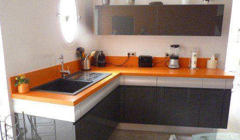 plan de travail de cuisine orange