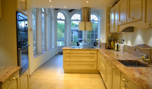 cuisine am nag e r alisations avignon. Black Bedroom Furniture Sets. Home Design Ideas