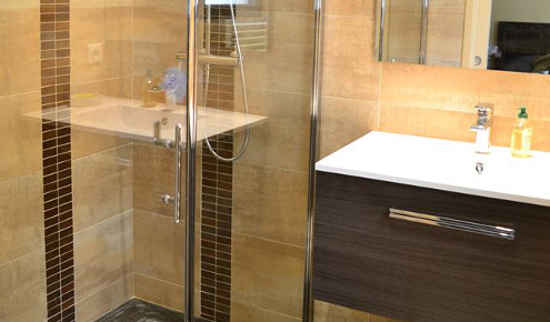 Salle De Bain Marron Et Beige Photo Pictures to pin on ...