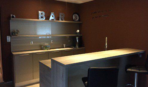cuisine aménagée - réalisations nîmes - Meuble Bar Design Contemporain