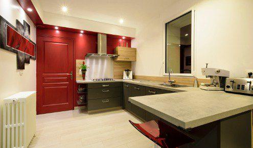 cuisine avec mur rouge chambray-les-tours