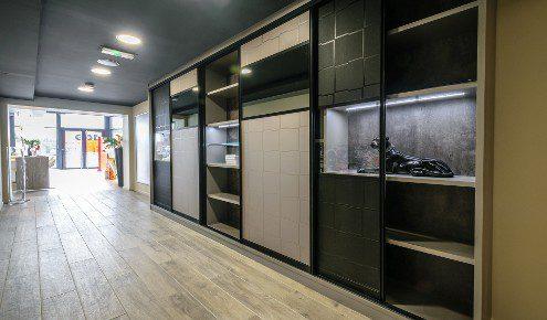 magasin de cuisines tours chambray l s tours photos. Black Bedroom Furniture Sets. Home Design Ideas