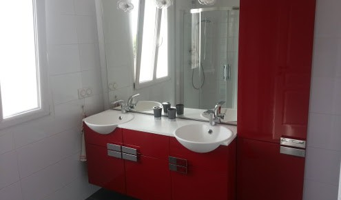 salle de bains rouge troyes