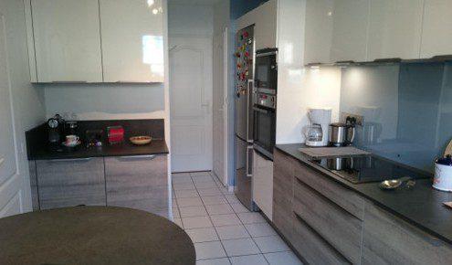 cuisine en i plan en i cuisines le long du0027un comptoir cuisine top 100 des cuisines les. Black Bedroom Furniture Sets. Home Design Ideas