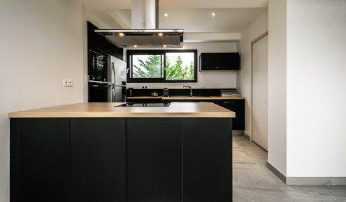cuisine-moderne-noire-chambray-tours