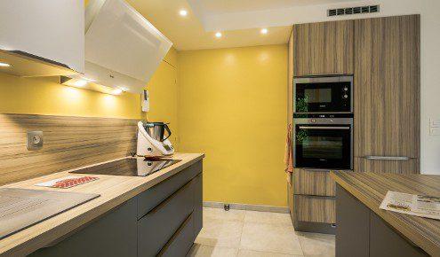 cuisine-mur-jaune-tours