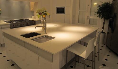 cuisine-sur-mesure-ilot-central-gorges-aluminium-espace-repas-rouen