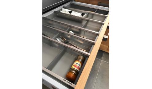 cuisine-amenagee-rangement-couverts-bressuire