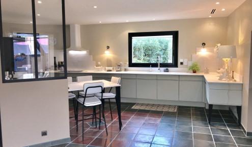 magasin cuisine avignon gallery of voyagez dans la cuisine de jeanraymond with magasin cuisine. Black Bedroom Furniture Sets. Home Design Ideas