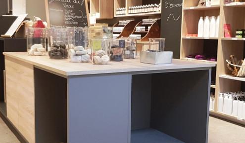 magasin-cuisines-amenagees-presentoir-golbey