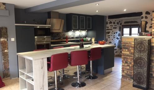 cuisine-amenagee-chaises-yssingeaux