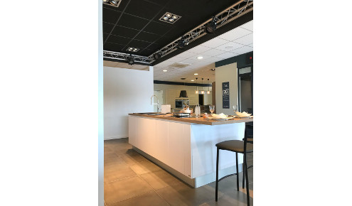 magasin-cuisines-sur-mesure-ilot-central-geneston