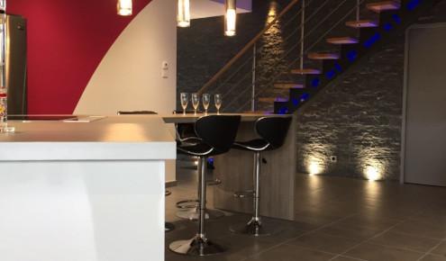 cuisine-amenagee-escalier-laval