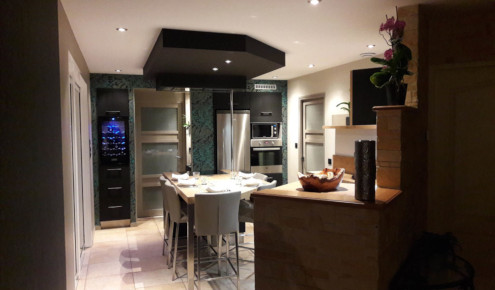 cuisine-amenagee-table-angers