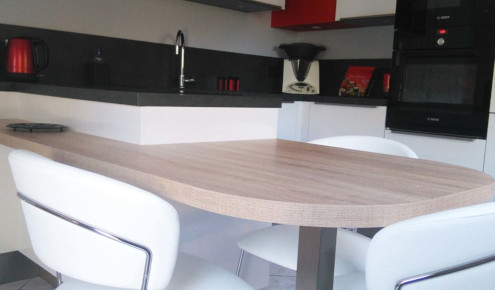 cuisine-amenagee-chaises-angers
