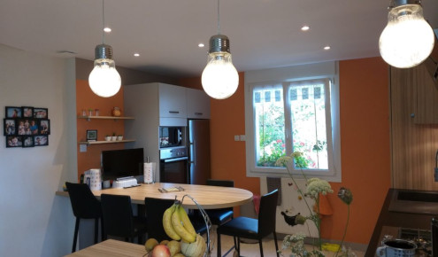 cuisine-amenagee-chaises-laval