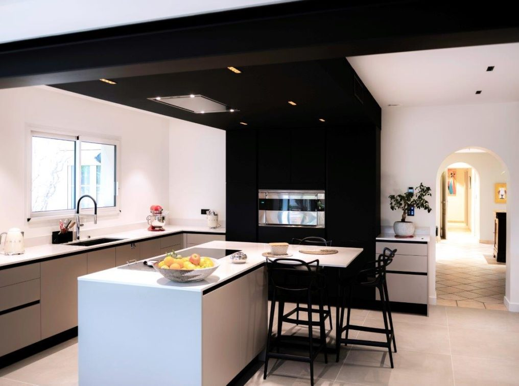 cuisine_design_contemporaine_four_professionnel
