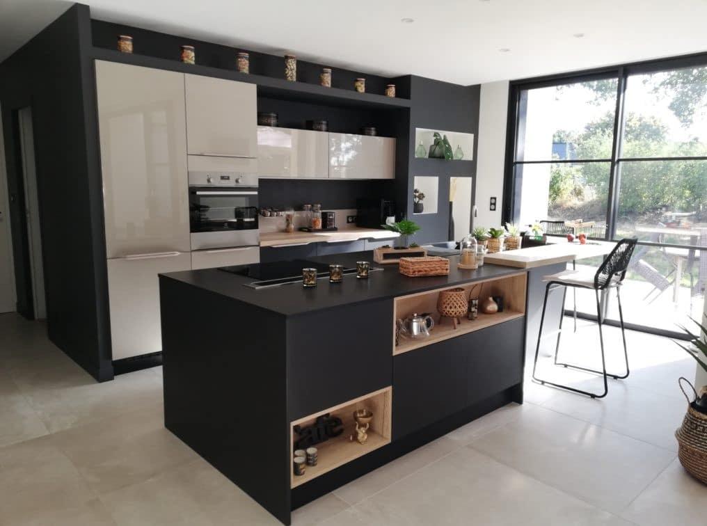 cuisine-conteporaine-noire-et-taupe
