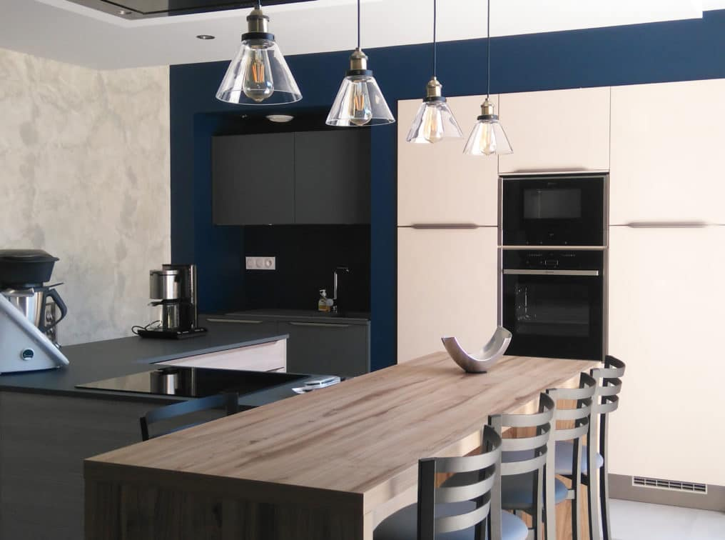 cuisine-bleu-foncé